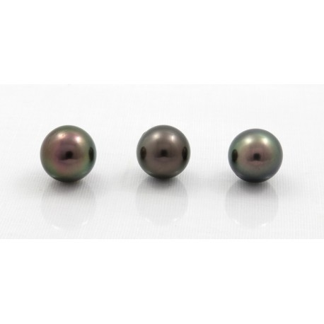 Lot of 3 round pearls