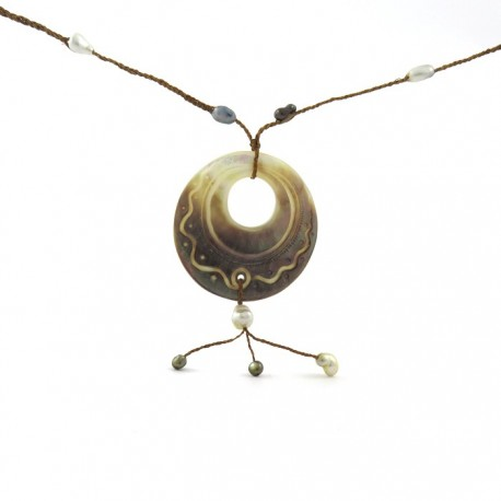 Necklace coconut keshis ,nacre