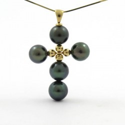 CROSS pendant with 5 round pearls