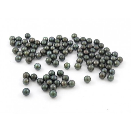 Batch of 100 green Tahitian 9-10mm round pearls