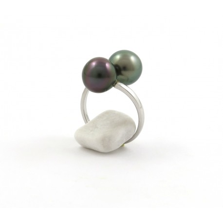 You & Me ring with green and aubergine pearls