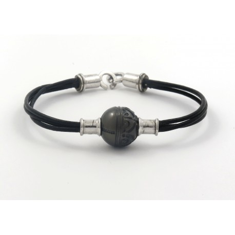 Leather bracelet silver clasp with tatooed pearl
