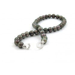 Purple green pearl necklace