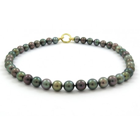 Necklace with 41 tahitian pearls